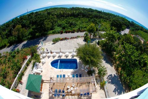South Beach Hotel, Paraiso