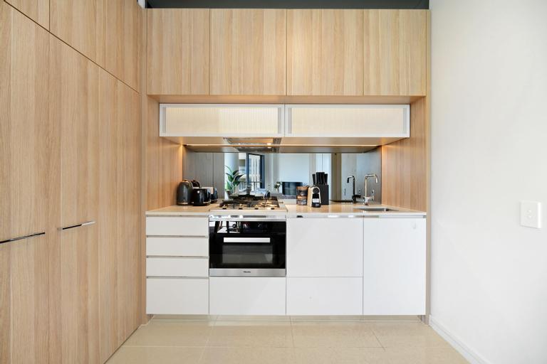 Modern, Ultra Clean in the Heart of Convenience, Ashfield