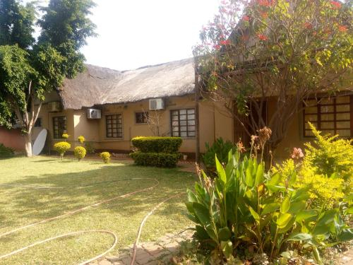 Ntshe River Lodge, Francistown