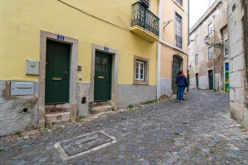 Cosy 2 bedroom apartment near Castelo Sao Jorge, Lisboa