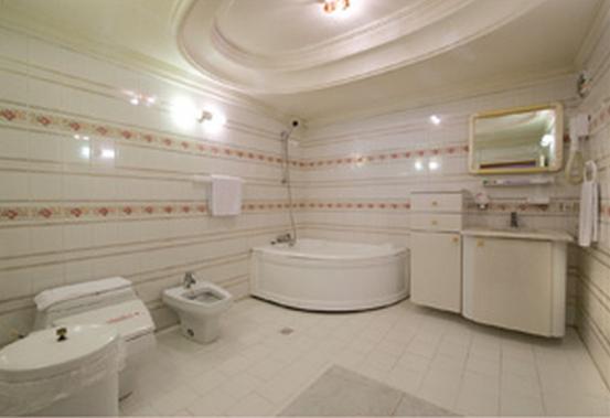 Gostaresh Tabriz Hotel, Heris