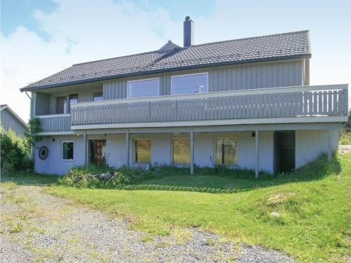 Four-Bedroom Holiday Home in Smola, Smøla