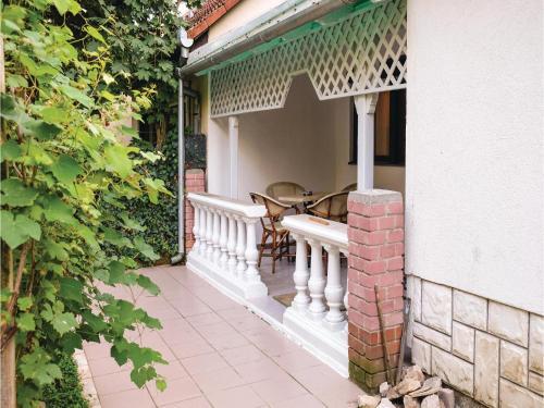 Five-Bedroom Holiday Home in Harkany, Siklósi