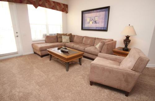 LakeView Outlook Penthouse - Three Bedroom Condominium, Orange