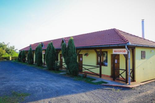 Retkoz Panzio, Kisvárda