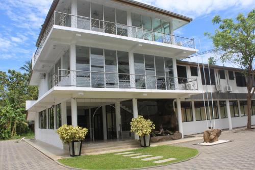 Hotel Lake Jay, Ampara