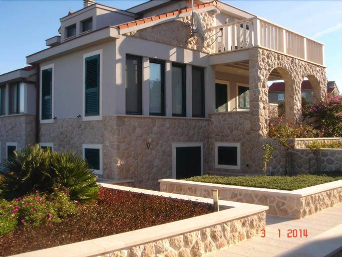 Apartment Lucija, Murter