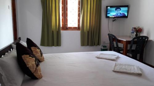 Hotel Surasa, Nikaweratiya