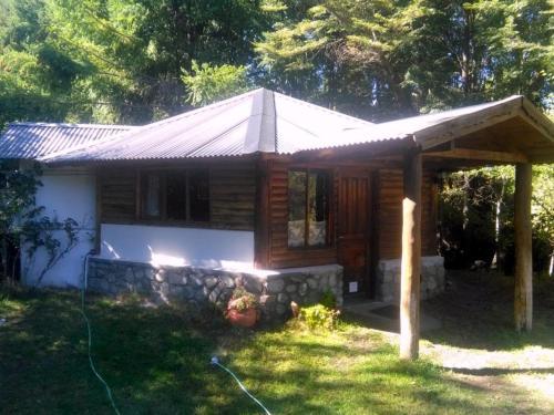 Cabanas Bondel, Cushamen