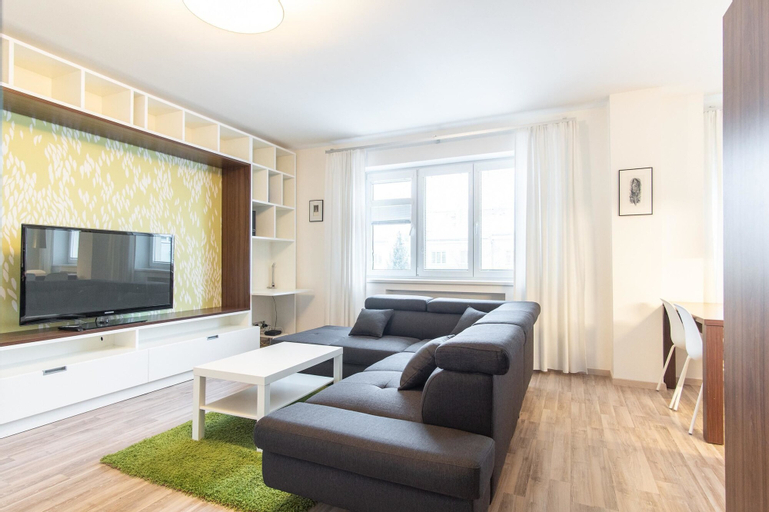 Modern Apartment in Quiet and Hipster Area by easyBNB, Praha 10