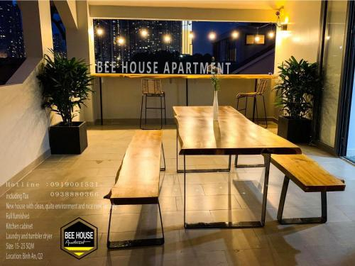 BEE HOUSE APARTMENT, Quận 2