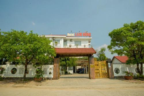 khach san Lam Hong, Kon Tum