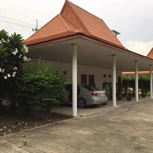 Panpree Hotel, Wiset Chai Chan