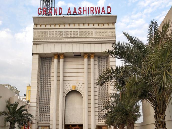 OYO Flagship 15751 Grand Ashirwad, Ghaziabad