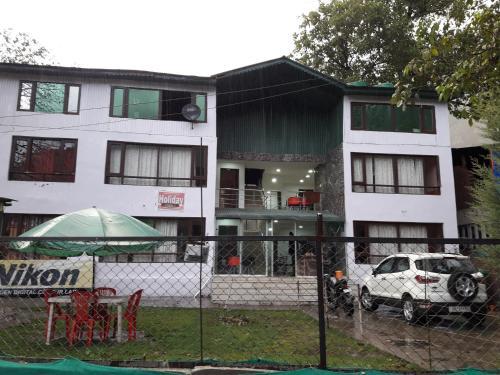 Holiday resort, Anantnag