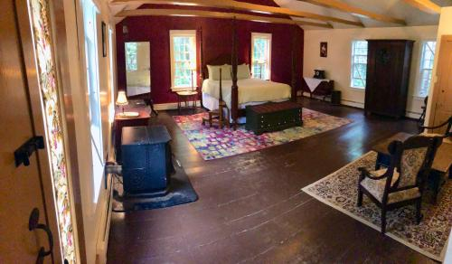 Taylor's Corner Bed and Breakfast, Windham