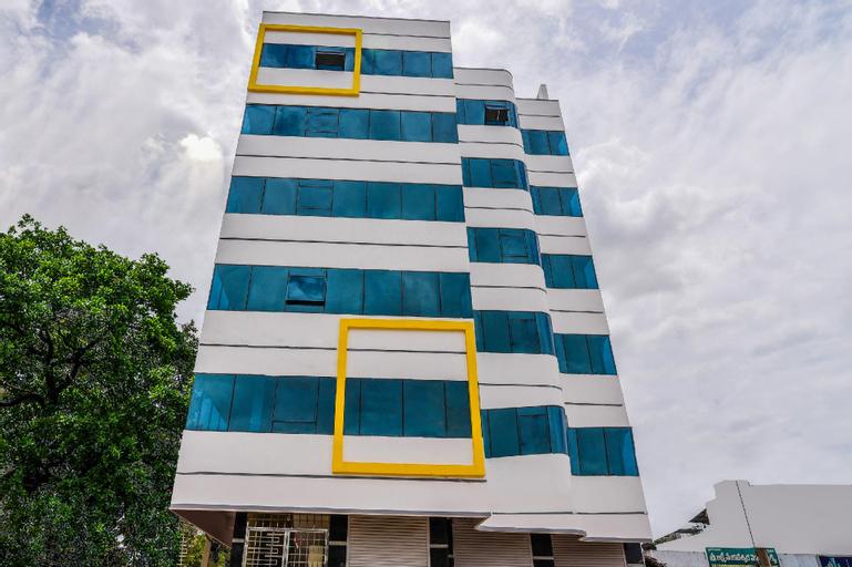 Capital O 28216 Raajas Grand, Chittoor
