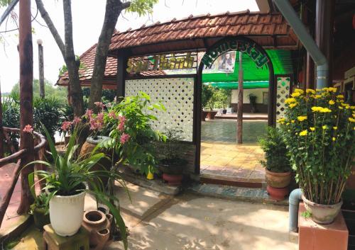 Sau Thanh Homestay, Long Hồ