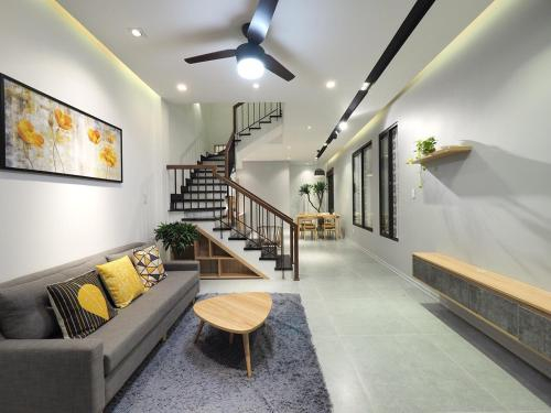 SANDY HOUSE - NEAR THE BEACH, Sơn Trà