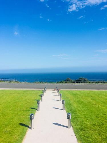 SEA CLIFF I The Miniature Boutique Hotel with Private Hot Tubs, Onchan