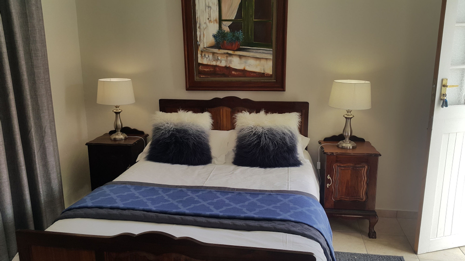 Inn Excellence B&B, Pixley ka Seme