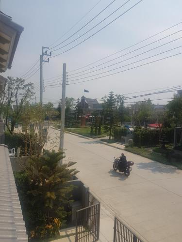Indy 2, Bang Yai