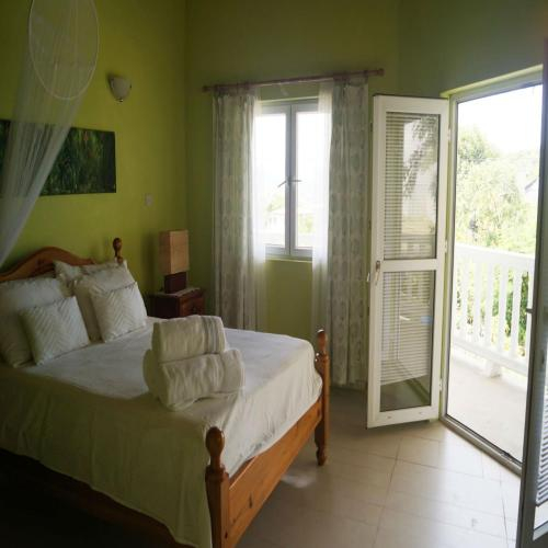 A Private Room in Paradise, Vieux Fort,