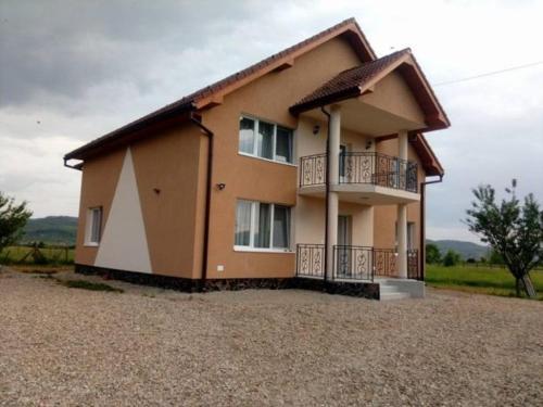 Vila Lorin, Uriu