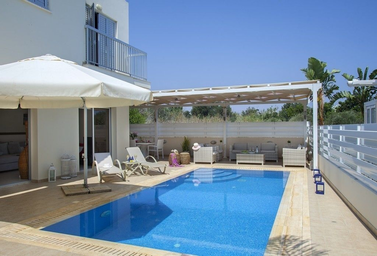 Villa Posidonas 3,