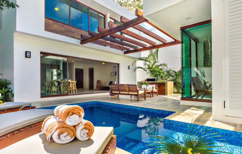 Casa Sieva 4 BDRM luxury villa sleeps 8, Cozumel
