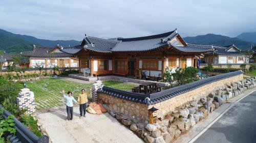 Mirinae Tradiational House, Gwangyang