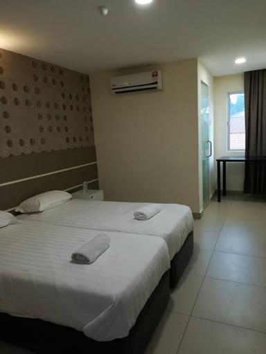 Rock & Roll Hotel Klang, Klang