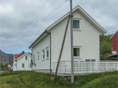 Two-Bedroom Holiday Home in Kleppestad, Vågan
