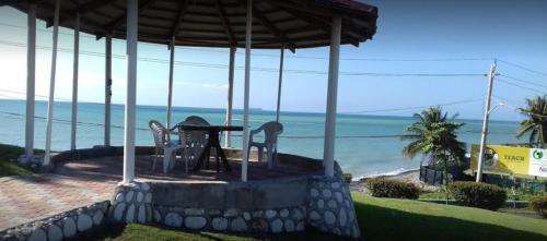 Morant Villas Hotel,