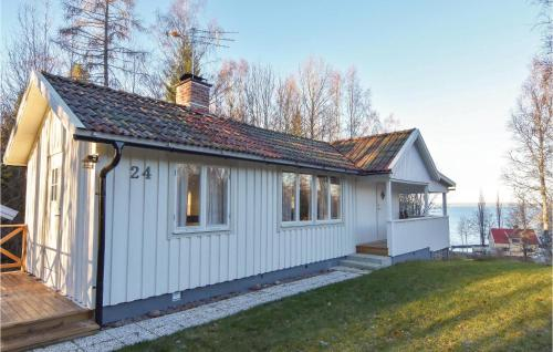 Two-Bedroom Holiday Home in Tived, Laxå