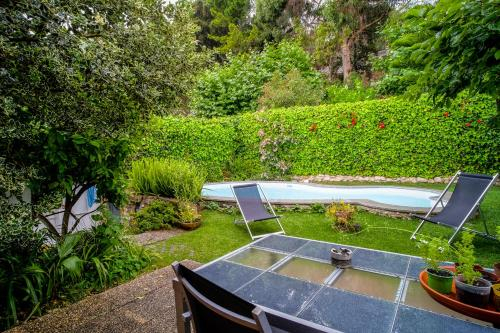 Casa do Castro @ Charming House with Pool, Oeiras