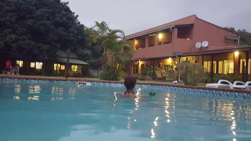Outspan Inn, O.R.Tambo