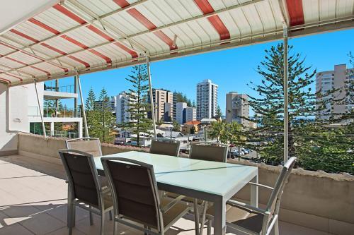 Tweed Paradise Unit 6 - Budget accommodation, Coolangatta