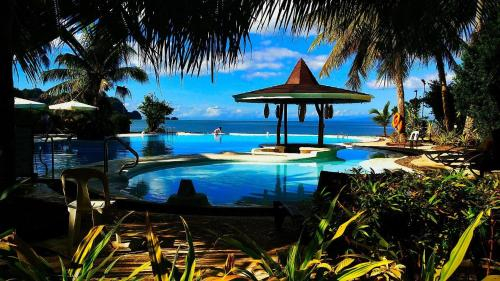 Caluwayan Palm Island Resort & Restaurant, Marabut