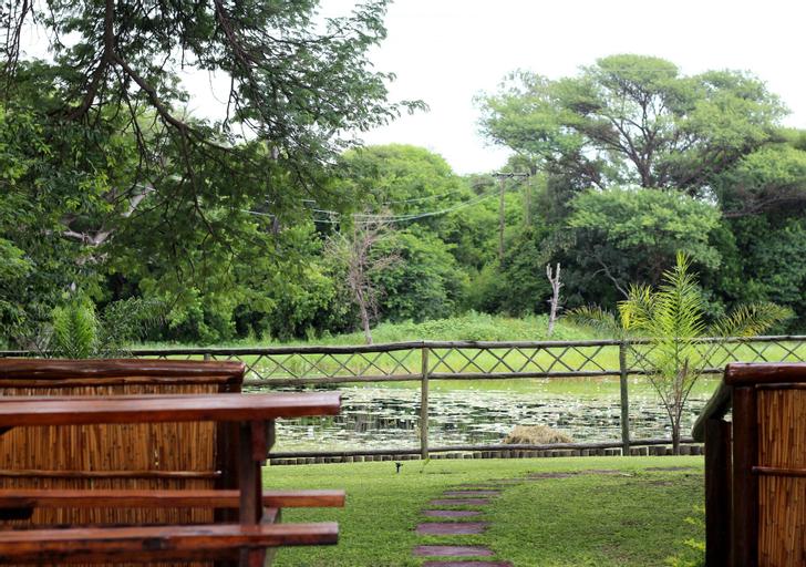 Enviro-Villa Luxury Inn, Ngamiland East