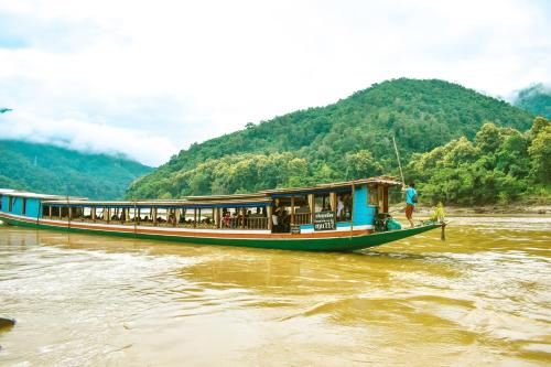 Le Grand Cruise Package, Pakbeng