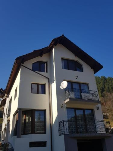 Villa Delle Camelie, Vadu Motilor