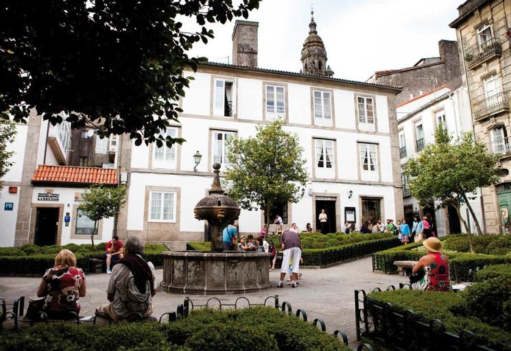 Santiago de Compostela 100068 4 Bedroom Apartment By Mo Rentals, A Coruña