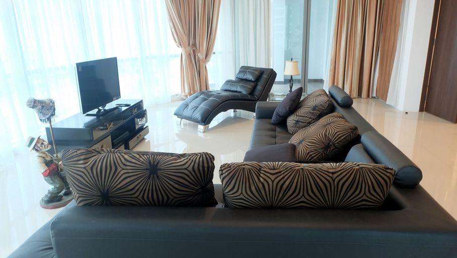 Luxury Spacious St. Moritz Presidential Puri, Jakarta Barat