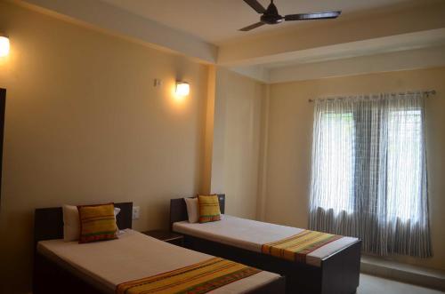HOTEL TASHI, Dibrugarh