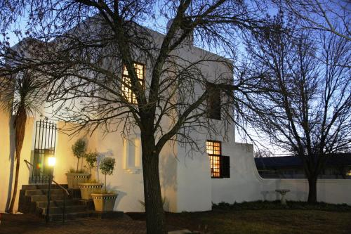 96 On Bree Guesthouse, Fezile Dabi