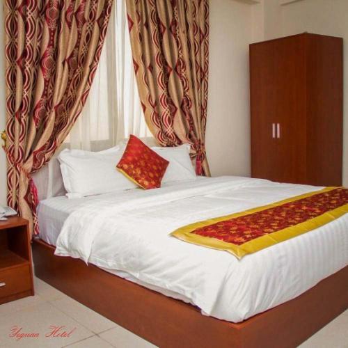 Yeguaa Hotel, Amansie Central