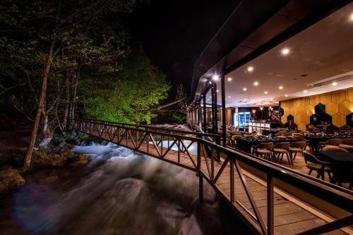 Resort Ujevara e Drinit, Istok