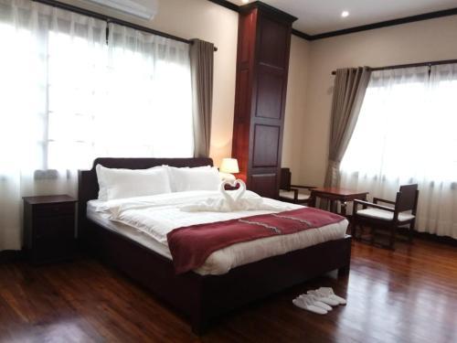 Singha Hotel, Xay