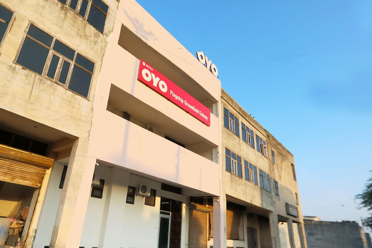OYO 266 TownHouse UC Collect O Block B Greenfield colony, Faridabad